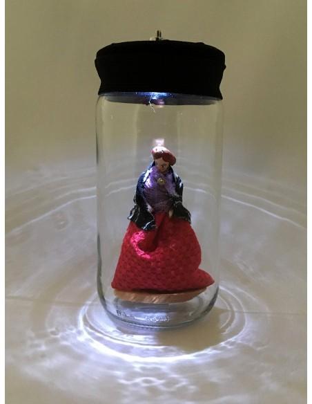 """Lámpara """"Te tengo en el Bote"""" falda roja y mantón"""