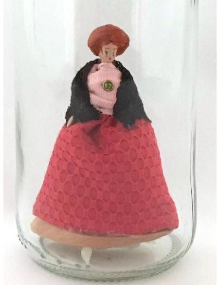"""Lámpara """"Te tengo en el Bote"""" Falda roja camisa rosa"""