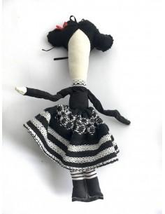 Muñeca de tela traje de extremeña pequeña